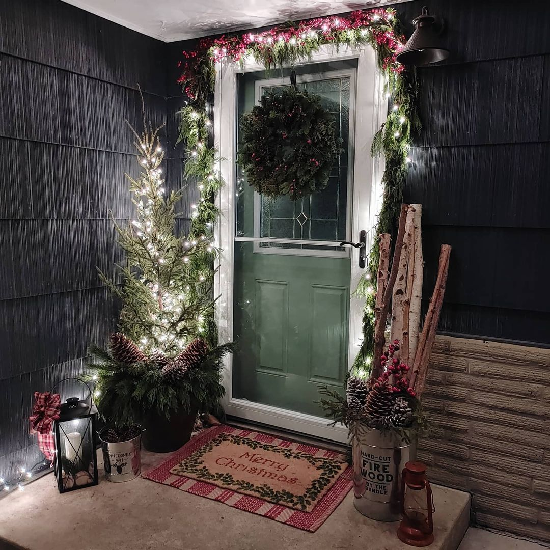 Christmas-porch-with-lights