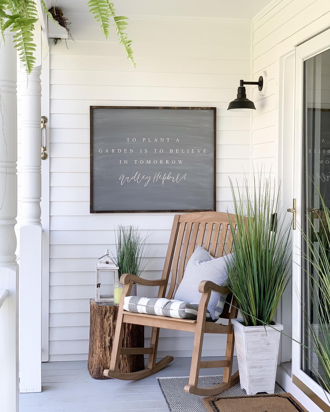 Front-Porch-Summer-Decor