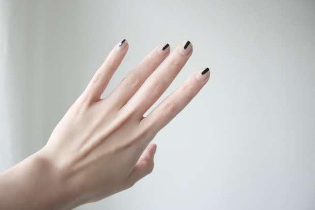 Manucure Inspiration Black Lines