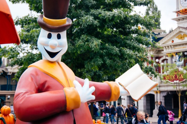 Disneyland Paris Halloween Mini Parade-5