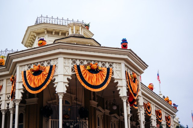 Disneyland Paris Halloween Mini Parade-8