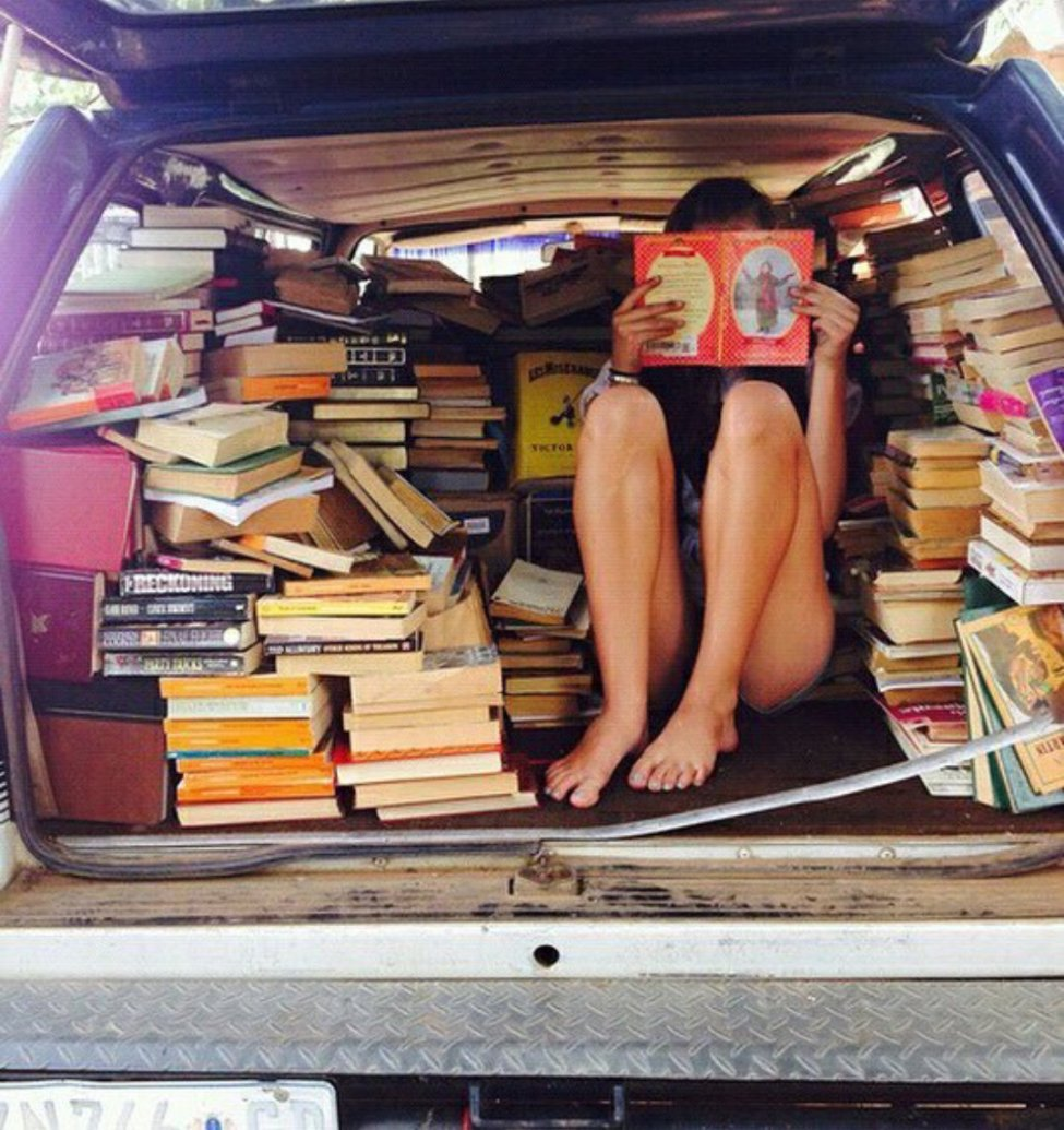 Lectures dans un van