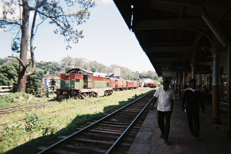 Sri-Lanka-Train-Bandarawela-2.jpg