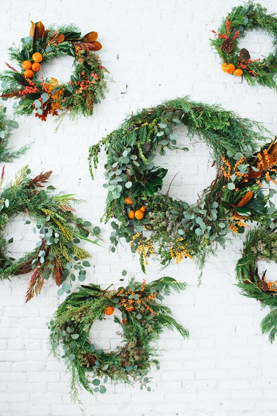 Couronne de Noël avec des oranges