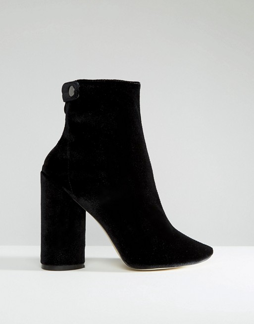Bottines noires à bouts pointus en velours Asos