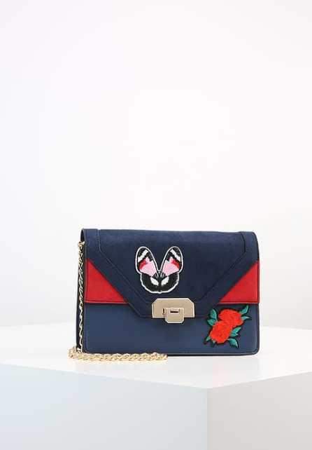 Mini sac avec patchs brodés Dorothy Perkins