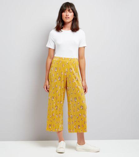 Jupe culotte jaune plisée à imprimé floral - Newlook