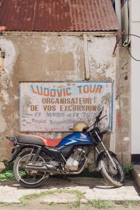 Marché de Rodrigues - Vieille moto