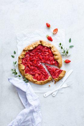 Tarte rustique aux fraises - Carnets parisiens