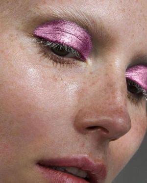 Maquillage rose glitter