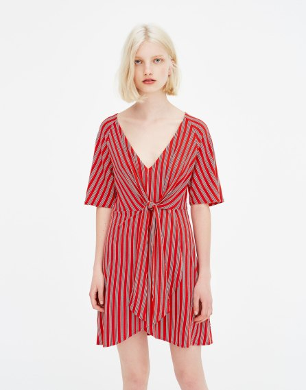 Robe portefeuille rouge à rayures Pull & Bear