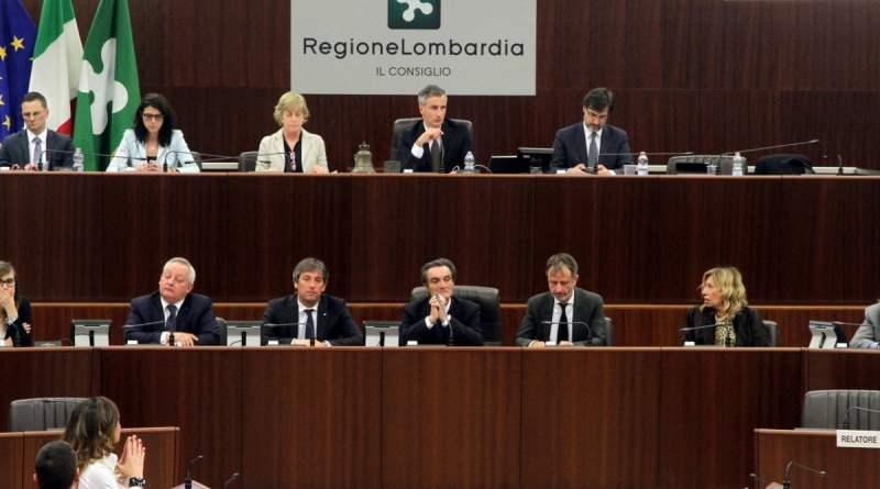 Tangenti e arresti in Lombardia con l'ombra della 'ndrangheta: Fontana indagato per abuso d'ufficio