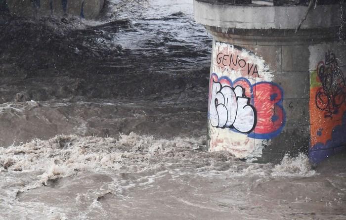 Maltempo: allarme per due rii a Genova
