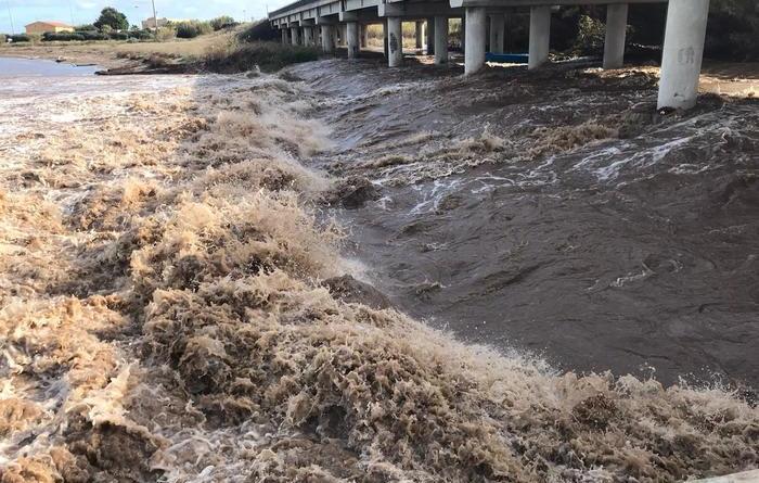 Maltempo: esonda fiume a Porto Torres