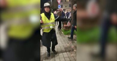 Firenze, il sindaco di Massa: 'Io e l'assessora aggrediti con sputi e spintoni'