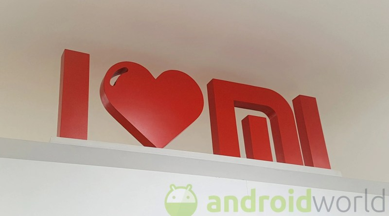 Xiaomi Mi 10 sposerà la soluzione del display forato, la variante Pro già mostra i muscoli su AnTuTu (foto)