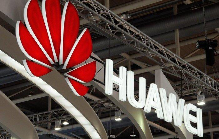 Huawei, accuse furto segreti commerciali