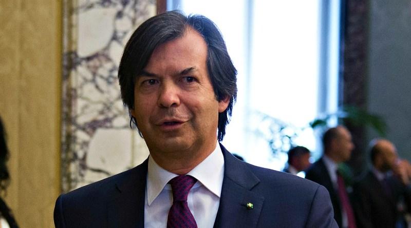 "Intesa Sanpaolo, offerta da 4,9 miliardi per acquisire Ubi Banca. ""Insieme ricavi per 21 miliardi"""