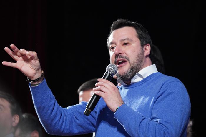 Gregoretti: chiesta udienza per Salvini
