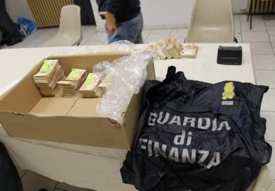 Riciclaggio, sequestrati 109 mila euro