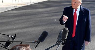 Virus, Trump chiede 2,5 mld al Congresso