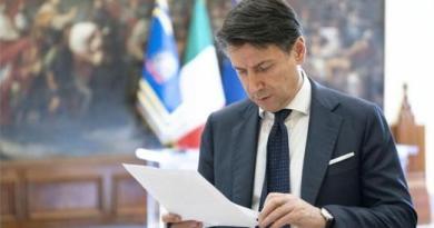 Coronavirus, Conte: «Chiuse tutte le attività produttive non necessarie, in tutta Italia»