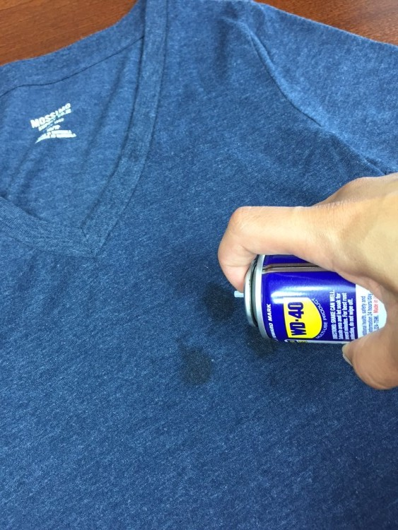 3 Simple Ingredients To Remove Oil Stains On Your Clothes