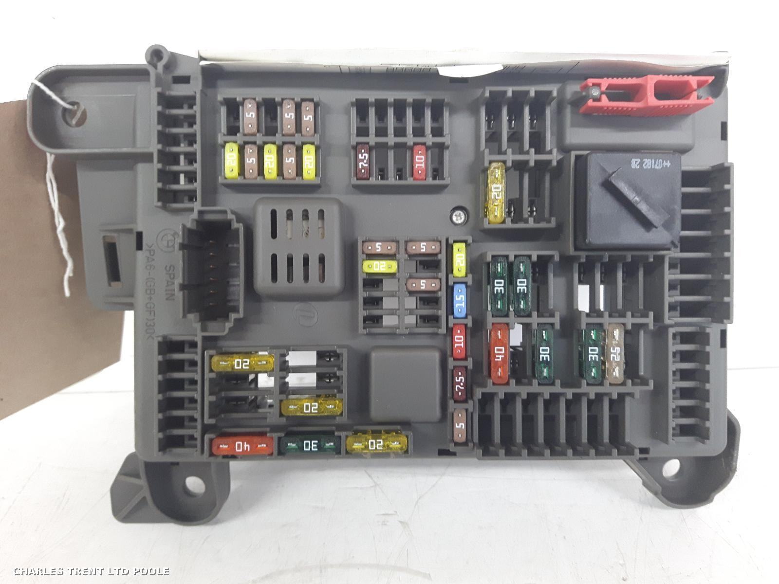 hight resolution of volvo s40 passenger fuse box