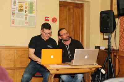 Andy & Pete get techy with the laptops and compare laptop sizes