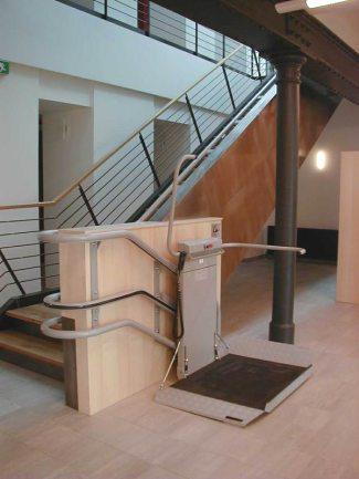 Bilder vom Treppenlift Plattformlift OMEGA Plattformlifte