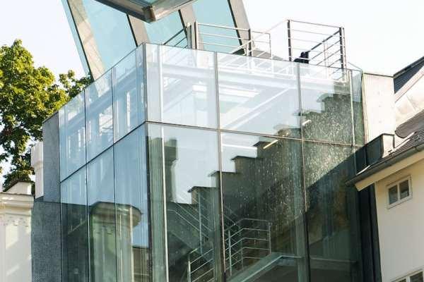 Glass-Exterior-Tres-Bohemes-min
