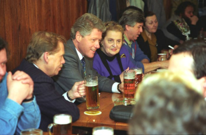 President-Clinton-and-President-Havel