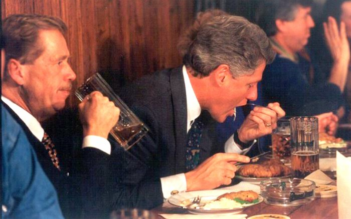 President-Clinton-and-Vaclav-Havel-Czech-Food