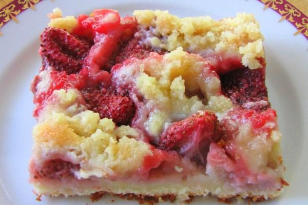 Strawberry-Crumble-Cake-Czech