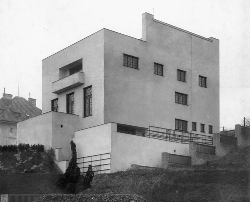 The-Prague-Villa-That-Became-a-Landmark-of-Modern-Architecture-Tres-Bohemes-6