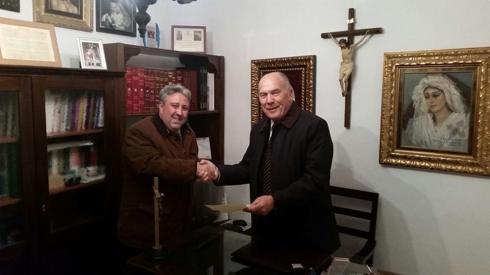 omento de la firma Hno. Mayor D. José Losada y nuestro Director Julio Vera