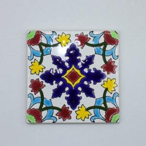 Carreau Aimant / Magnet Carré Motif Traditionnel en céramique CD72 peut servir comme un sous plat ou sous verre.