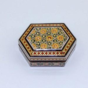 Boite Hexagonale en Marqueterie KH23 khatamkari iranien fait par des artisans iraniens