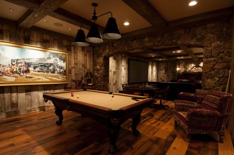 Photo 22350 White Painted Barnwood Interior Siding