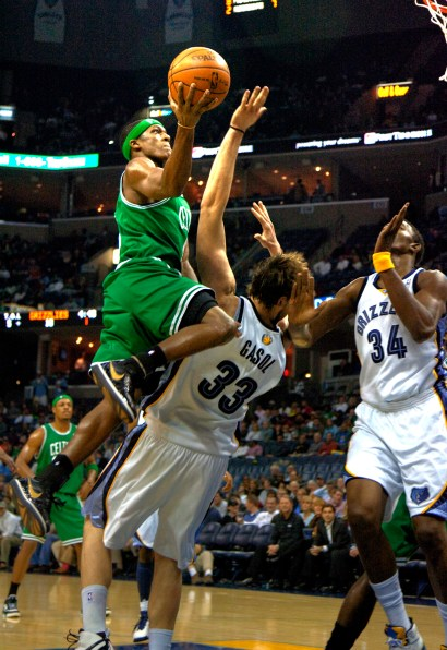 Celtics_Grizz0213.jpg?fit=1452%2C2112