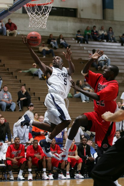 Trevor_Ruszkowski_Photos_basketball_2012_0010.jpg?fit=660%2C990