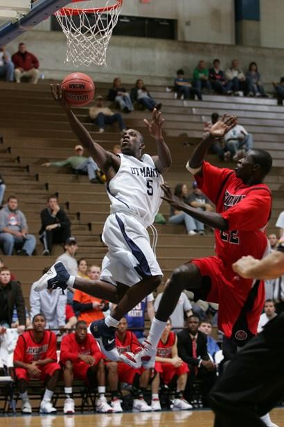 Trevor_Ruszkowski_Photos_basketball_2012_0010.jpg?fit=660%2C990&ssl=1