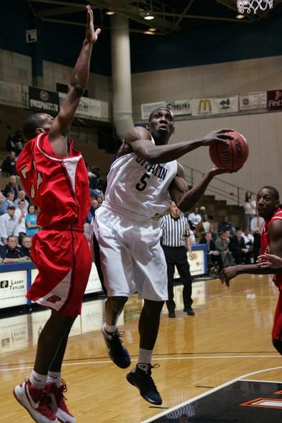 Trevor_Ruszkowski_Photos_basketball_2012_0024.jpg?fit=660%2C990&ssl=1