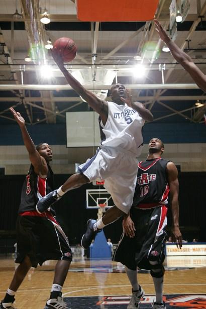 Trevor_Ruszkowski_Photos_basketball_2012_0026.jpg?fit=660%2C990&ssl=1