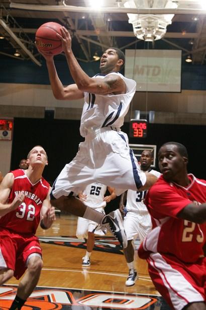 Trevor_Ruszkowski_Photos_basketball_2012_0039.jpg?fit=660%2C990&ssl=1