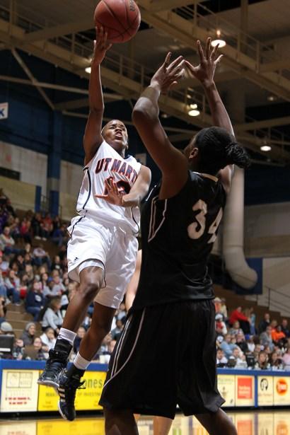 Trevor_Ruszkowski_Photos_basketball_2012_0049.jpg?fit=660%2C990