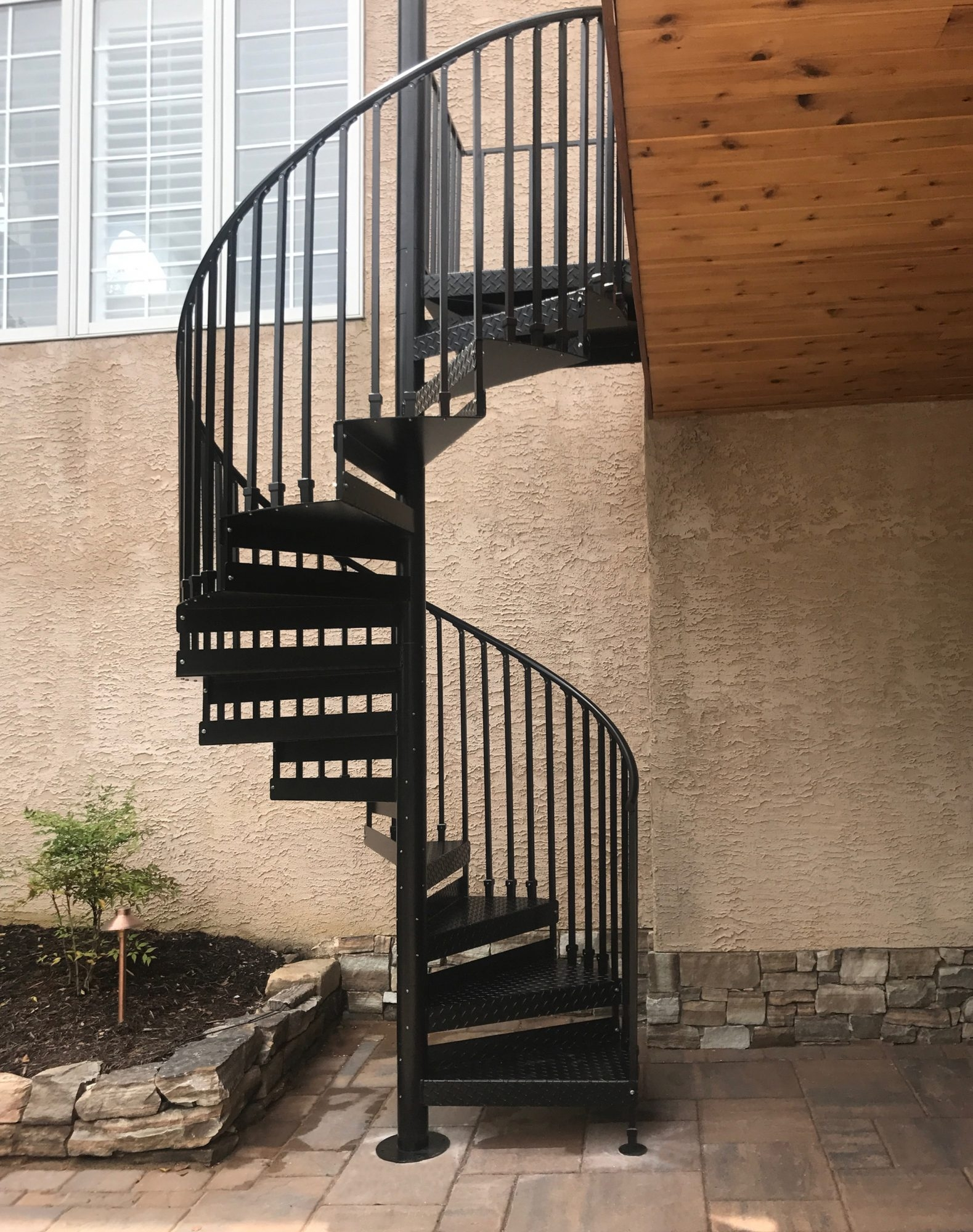 Discover The Ultimate Staircase Alternative Trex Spiral Stairs | Exterior Metal Spiral Staircase | Rustic Metal | Deck | Crystal Handrail | Bar Modern | Railing