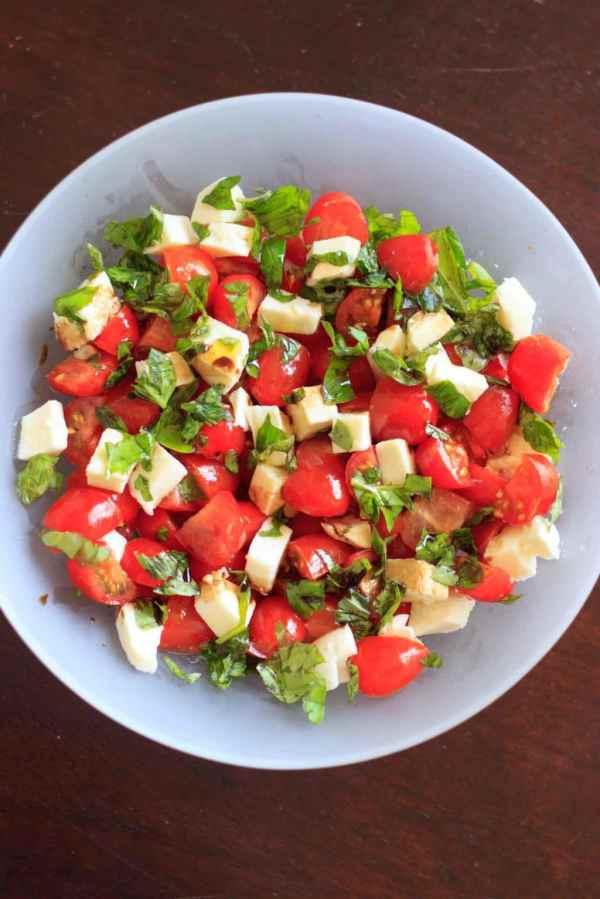 Chopped Caprese Salad 5 ingredients 10 minutes to make