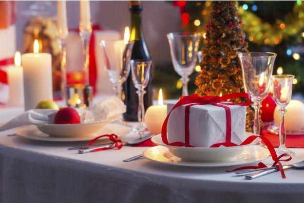 Larte della tavola come apparecchiare per Natale