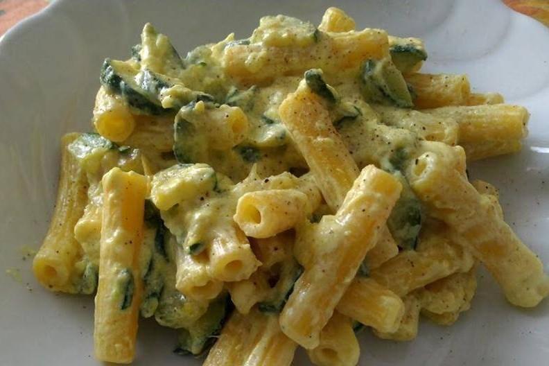 Pasta ricotta e zucchine  315